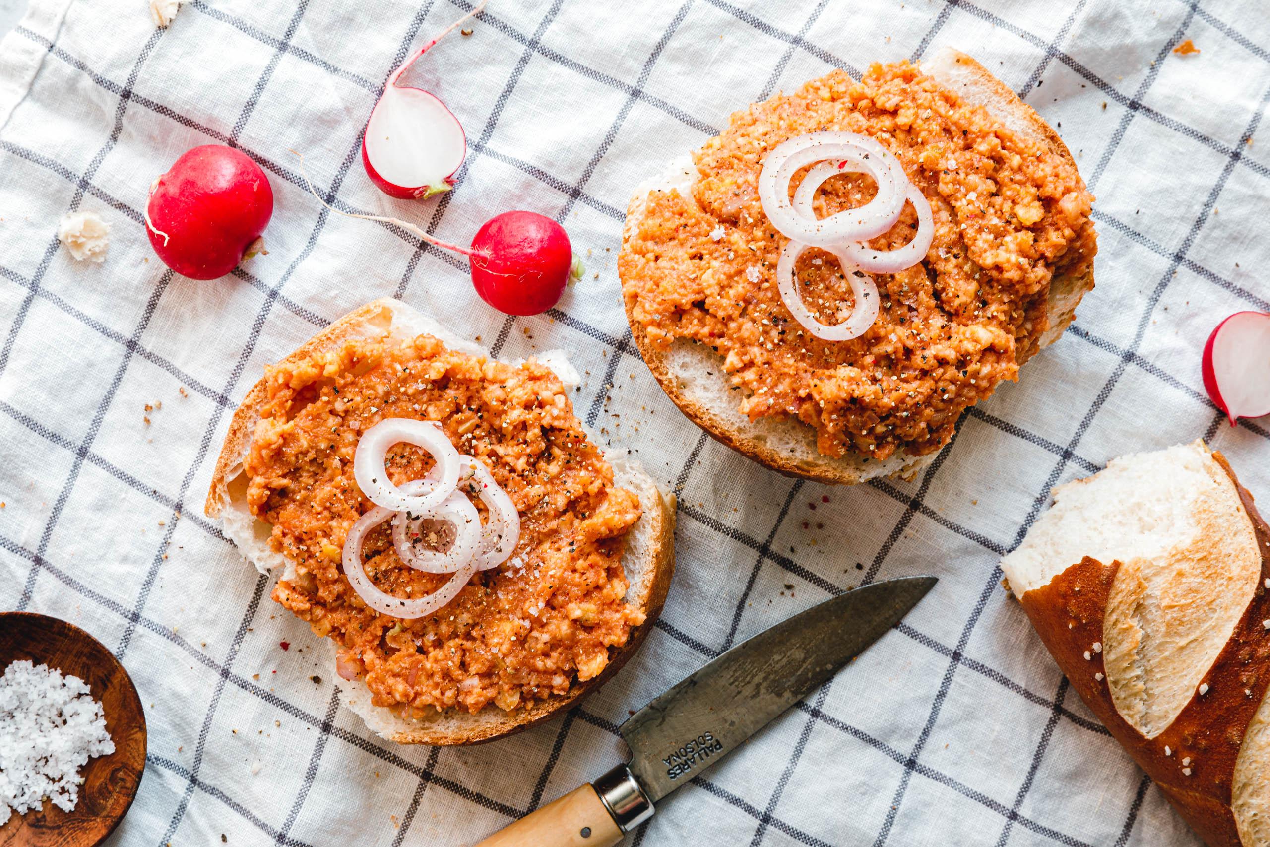 Eat this! Veganes Mett aus Reiswaffeln