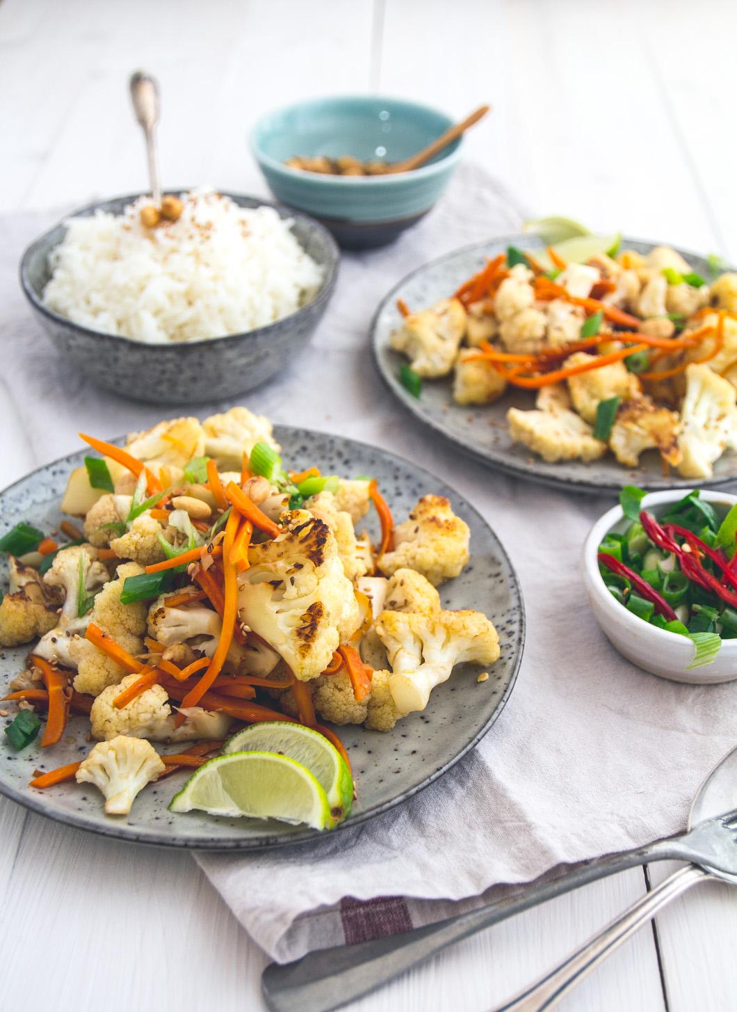 asiatischer blumenkohl salat eat this foodblog vegane rezepte stories. Black Bedroom Furniture Sets. Home Design Ideas