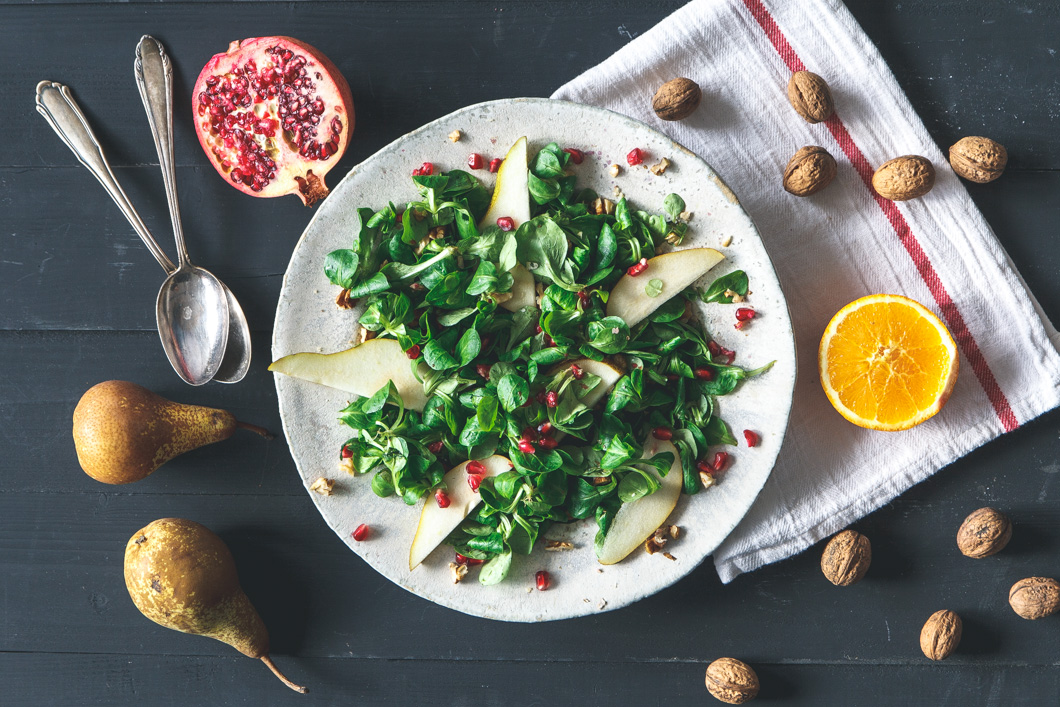 Feldsalat mit Birne, Walnuss & Orangen-Vinaigrette · Eat this ...