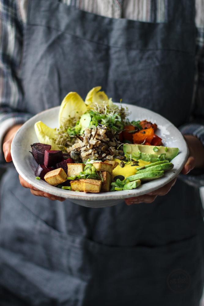 good life bowl mit ofengem se kurkumadressing eat this foodblog vegane rezepte stories. Black Bedroom Furniture Sets. Home Design Ideas