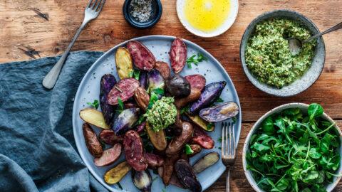 Bunte Kartoffeln mit Mandel-Petersilien-Pesto