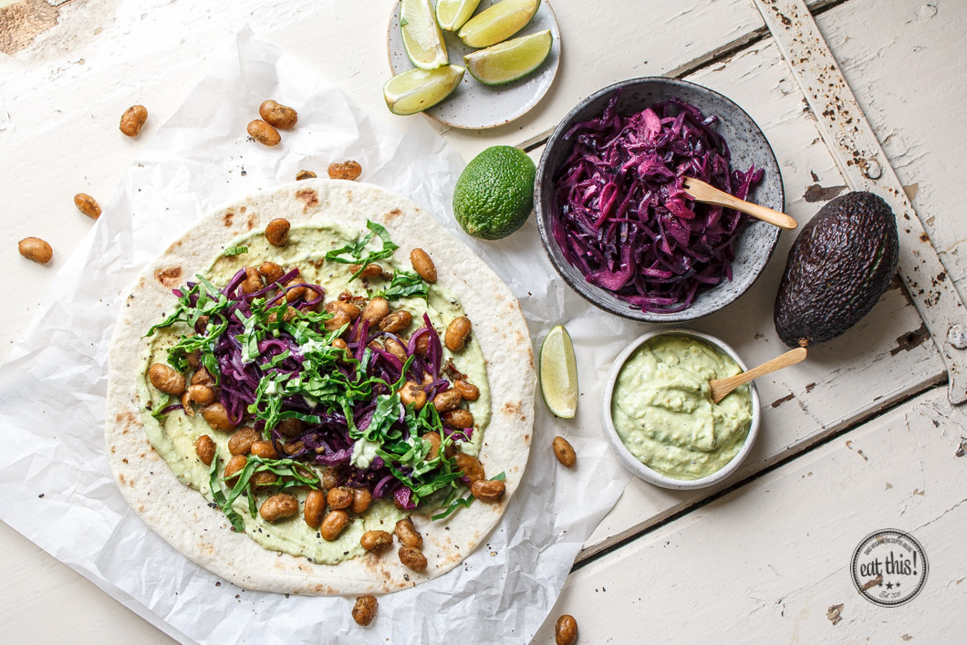 Geröstete Bohnen-Wraps mit Avocado-Creme