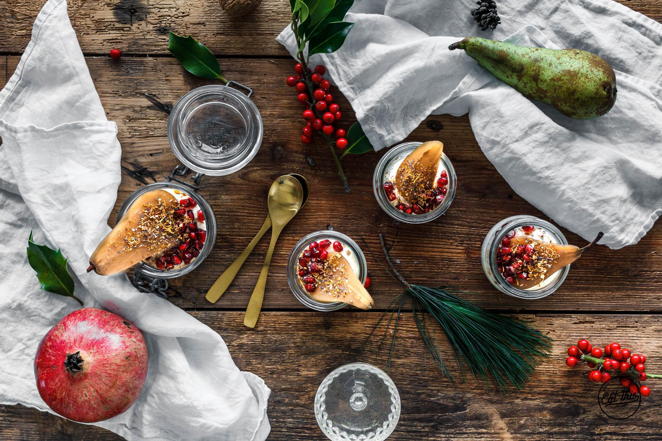 Raw Mini-Cheesecake mit Marzipan & pochierter Chai-Birne • Weihnachtsmenü 2016