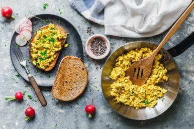 Veganes Rührei mit Tofu und Kala Namak