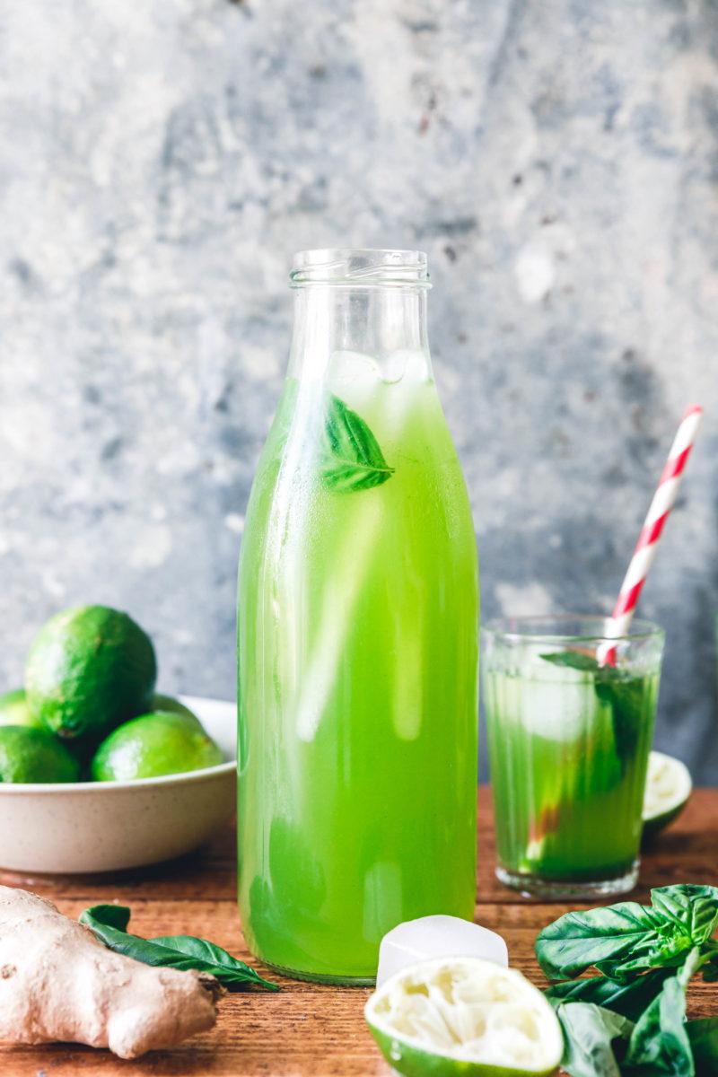 basilikum limonade mit limette ingwer eat this vegan food lifestyle. Black Bedroom Furniture Sets. Home Design Ideas