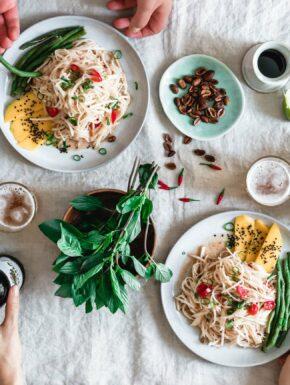 Kohlrabisalat auf thailändische Art / Kohlrabi Som Tam