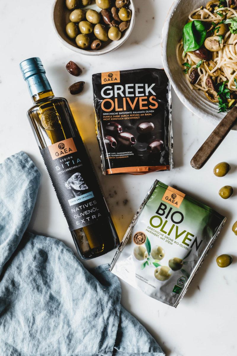Spaghetti aglio e olio mit Oliven & Pistazien