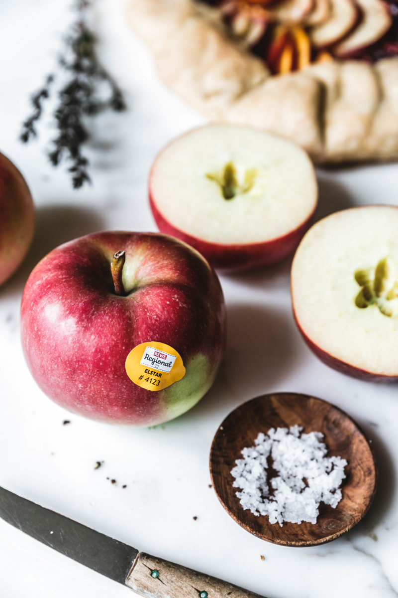 Herzhafte Galette mit Apfel, Rote Bete & Kürbis