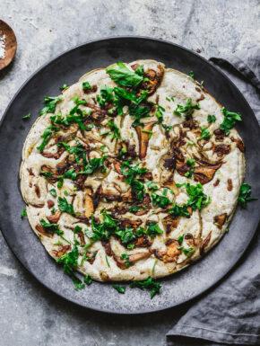 Herzhafte Sauerteigpancakes mit Pilzen