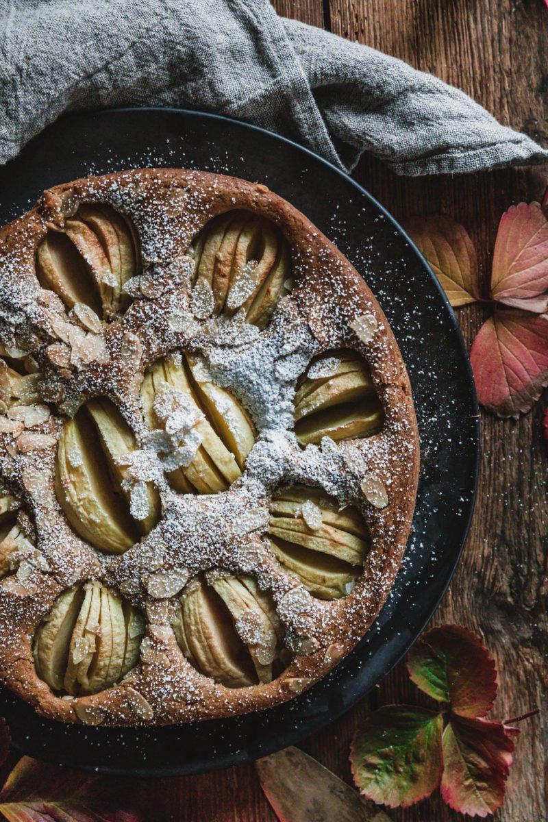 Veganer versunkener Apfelkuchen mit Baileys Almande