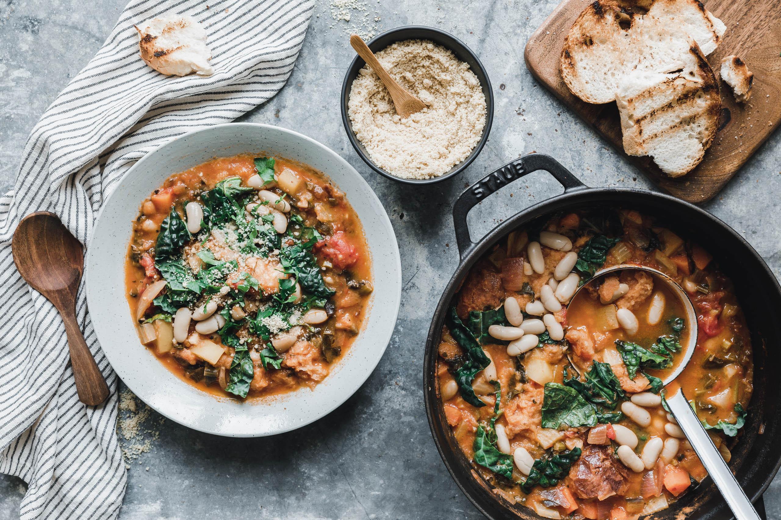 Unsere Ribollita – Toskanische Gemüsesuppe mit Schwarzkohl & Fenchel
