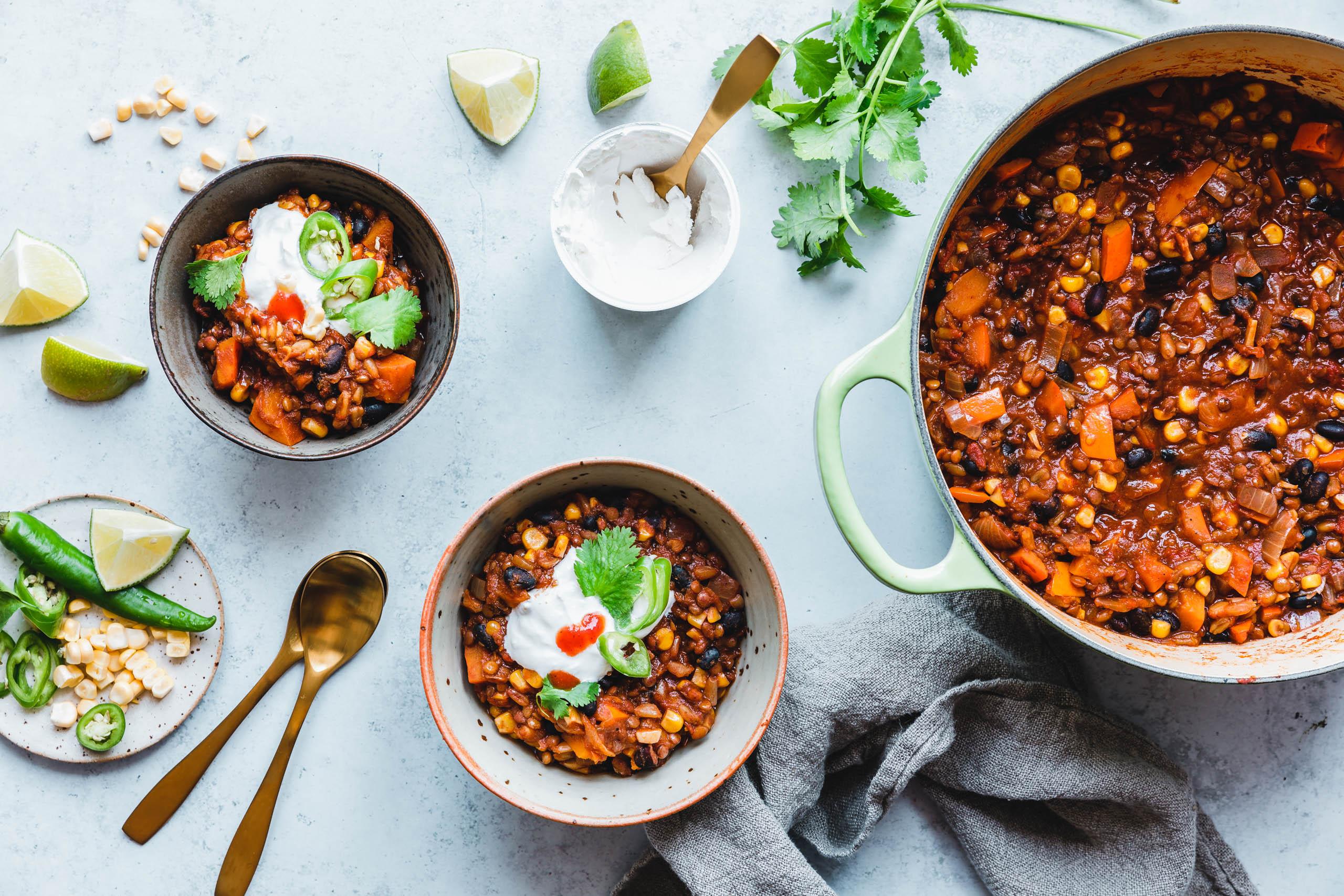 Kürbis-Chili mit braunen Linsen & Pumpkin Spice