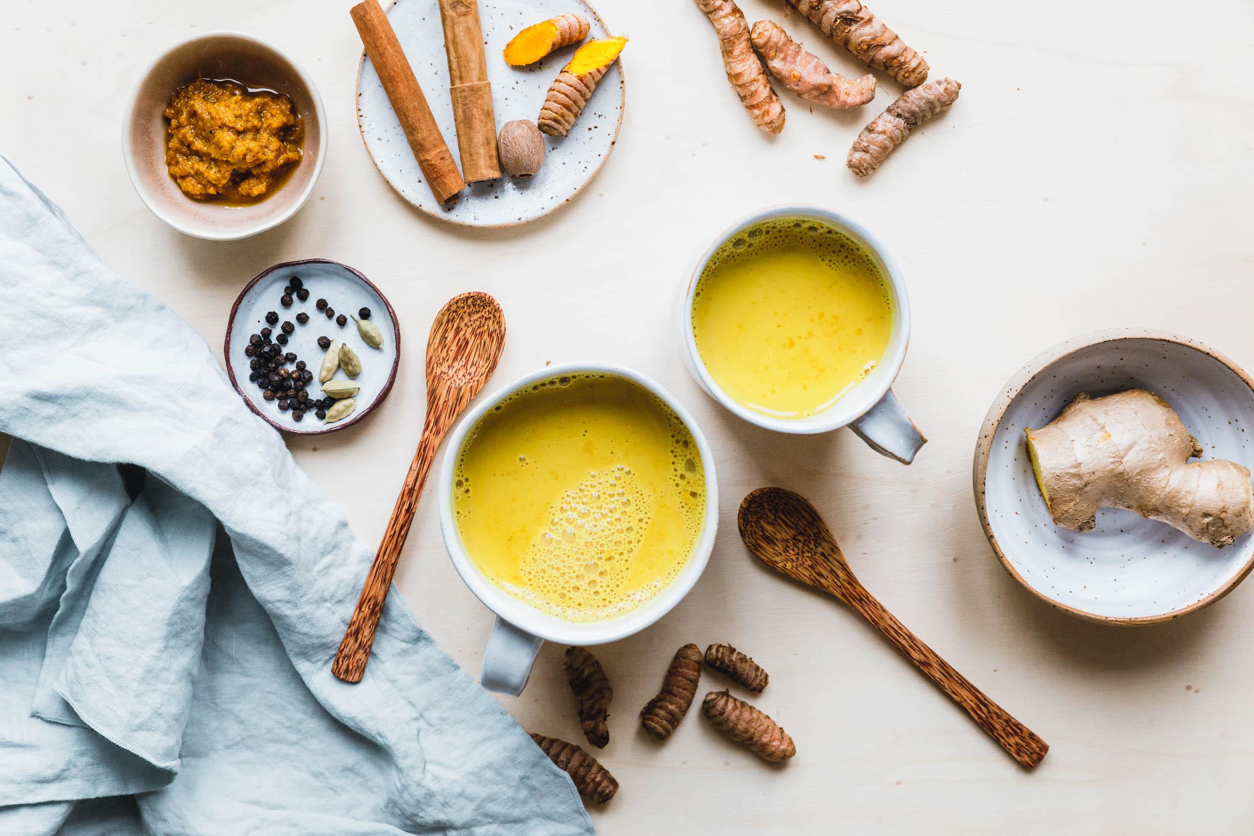 Goldene Milch mit selbstgmachter Kurkumapaste