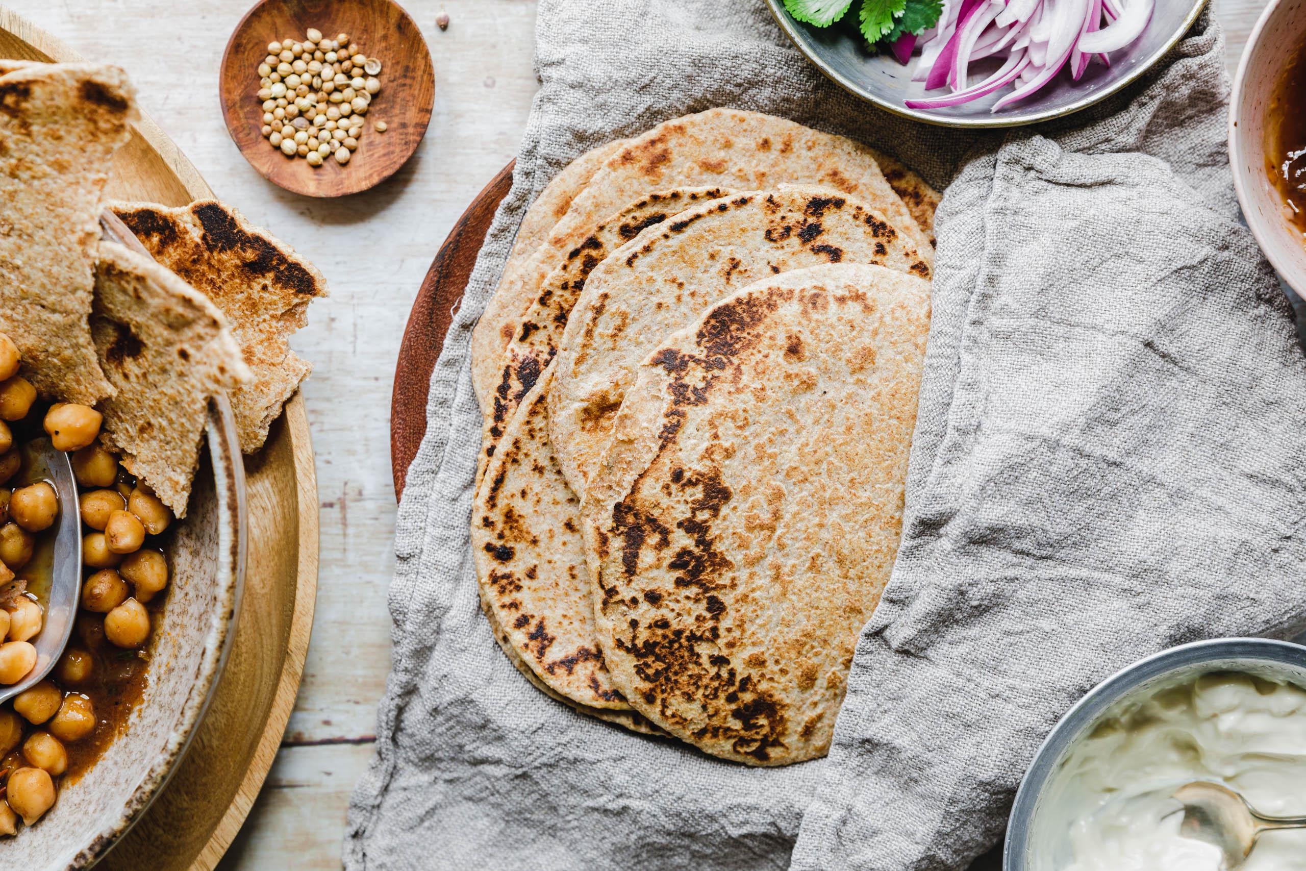 Einfache Chapatis mit Vollkornmehl