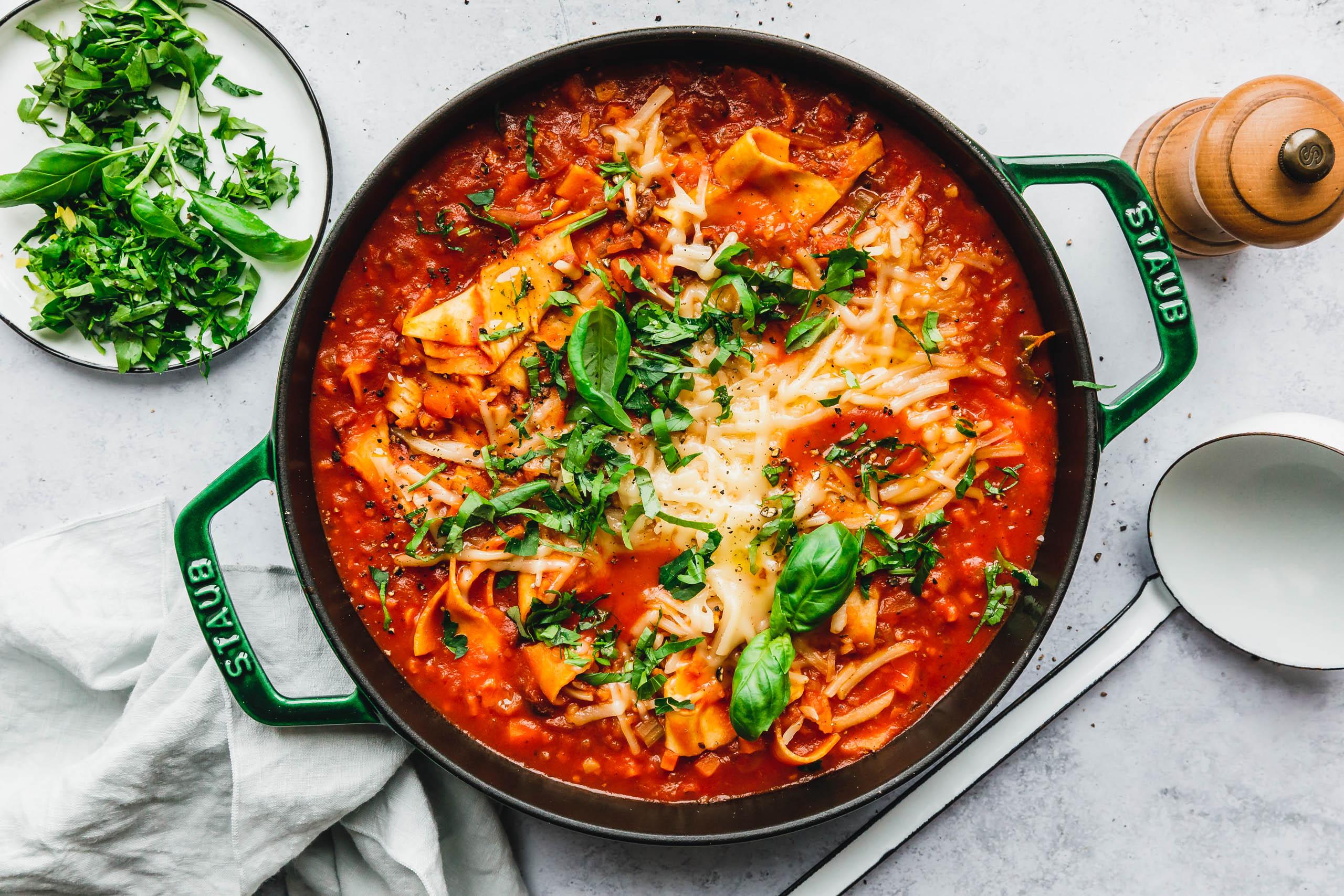 Die leckerste vegane Lasagnesuppe