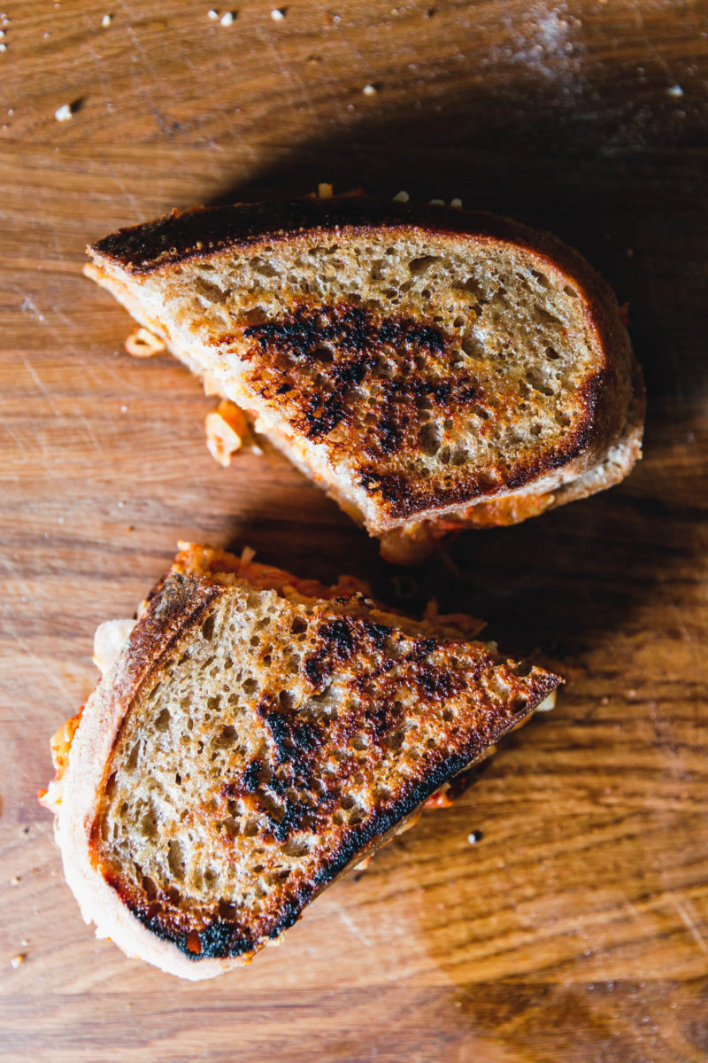 Veganes Kimchi Grilled Cheese Sandwich
