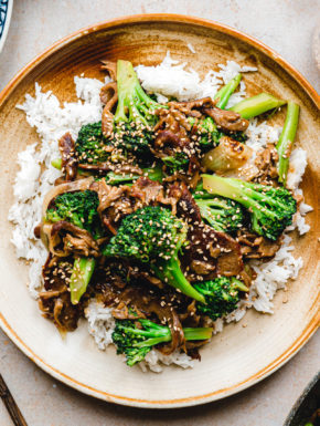 Vegan Beef and Broccoli – Brokkoli-Stir-fry mit Seitan