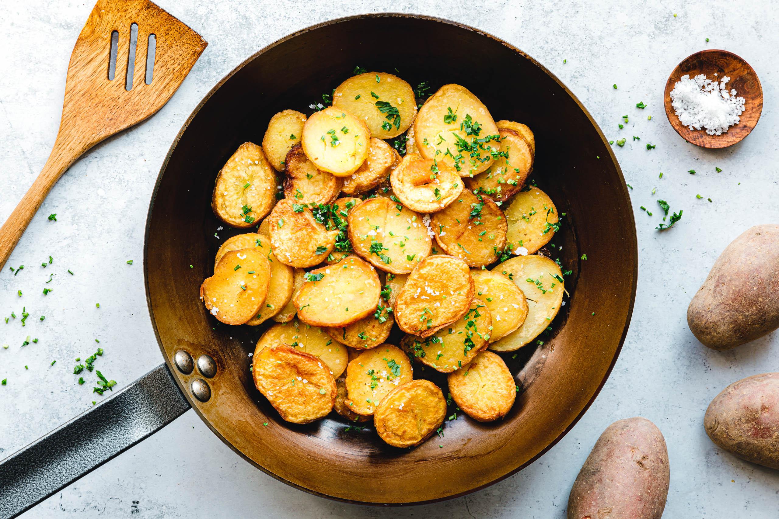 Eat this! Bratkartoffeln in Eisenpfanne