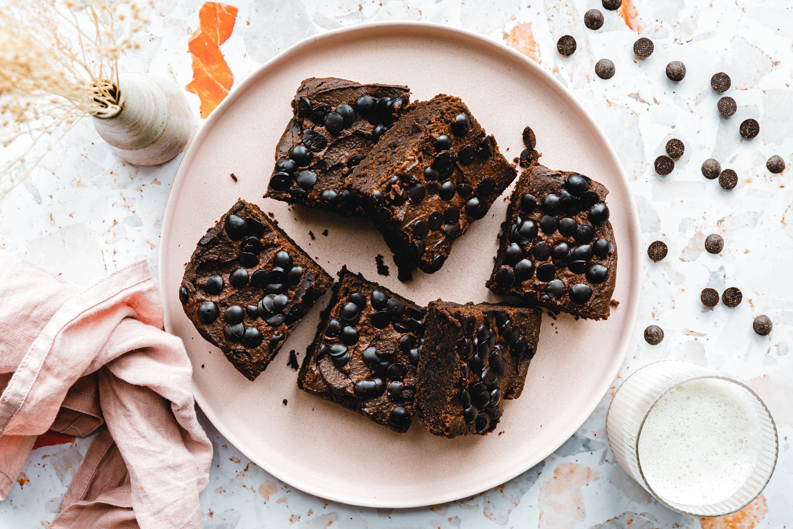 Vegane Kichererbsen-Schoko-Brownies aus dem Mixer