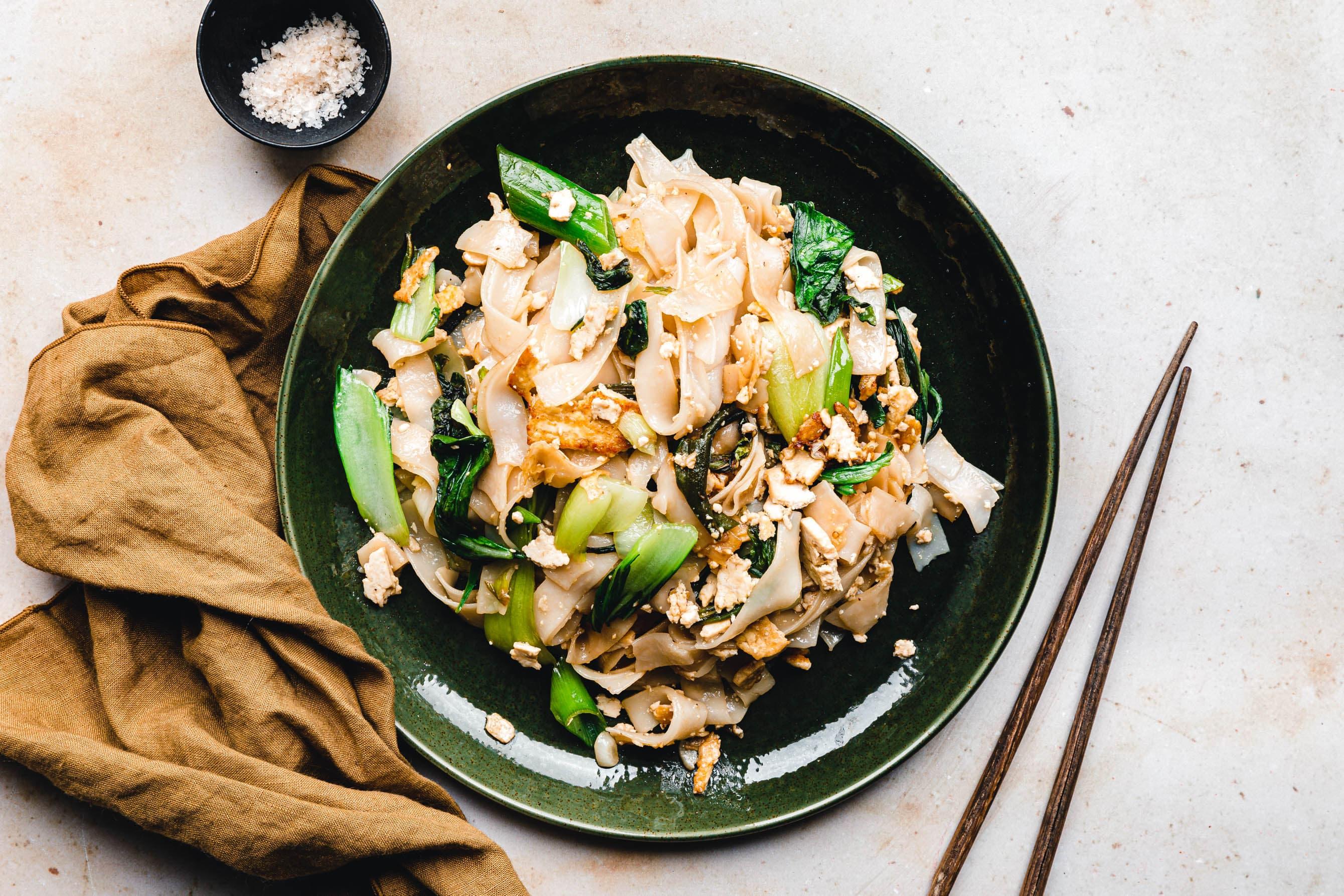 Veganes Pad See Ew – thailändische gebratene Reisnudeln